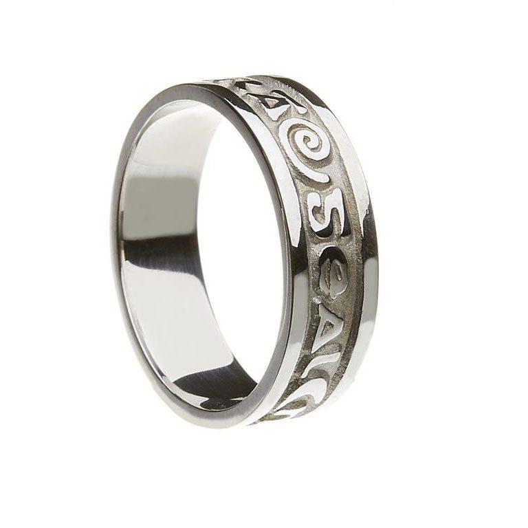 White Gold or Silver Gra Geal Mo Chroi Irish Script Ladies Wedding Band