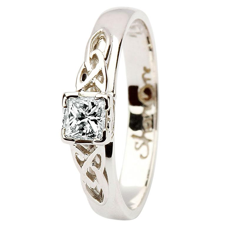 14 Karat Diamond Set Celtic Love Knot Ring